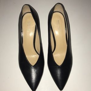 Michael Kors black pointed heel womens6M leather